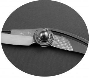 Couteaux et Matériaux précieux: perle de Polynésie Française